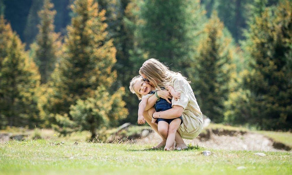 Family bargain mountain week in fall